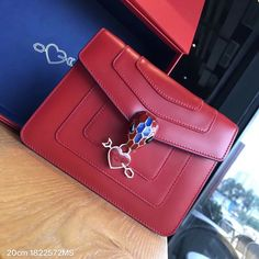 Bvlgari head buckle chain flap bag valentine style Bvlgari Bags, Wallet, Chain, Style, Fashion, Swag, Moda, Fashion Styles, Necklaces