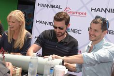 Richard Armitage, Hannibal/Francis Dolarhyde at San Diego Comic-Con, 12-7-2015, autograph session.