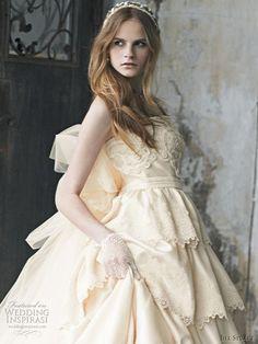 jill stuart 2010: cream gown