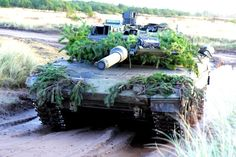 Cool Tanks, Awesome Tanks, Tank Armor, Armored Fighting Vehicle, Army Vehicles, Camo Patterns, Military Equipment, Restoration, Modern