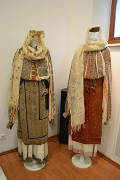 Romanian blouses - ie. Muzeul National al Satului Dimitrie Gusti Folk Costume, Costumes, Ethnic Dress, Folk Music, My Collection, Ethnic Jewelry, 19th Century, Textiles, Traditional