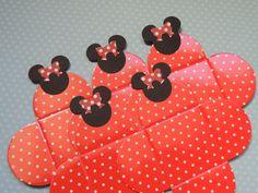Forminhas+para+doce+com+aplique+da+Minnie.++++Quantidade:+50+unidades+para+cada+cor R$ 35,00