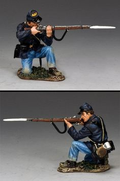 Civil War Union CW095 Soldier Kneeling Firing - Made by King and Country Military Miniatures and Models. Factory made, hand assembled, painted and boxed in a padded decorative box. Excellent gift for the enthusiast.