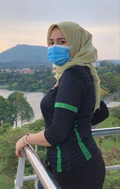 """bahan Coli jilboobs on Twitter: """"… """" Hijab Teen, Arab Girls Hijab, Muslim Girls, Modest Fashion Hijab, Modern Hijab Fashion, Muslim Women Fashion, Beautiful Muslim Women, Beautiful Hijab, Hijabi Girl"""