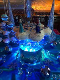 Disney Frozen Party Ideas.  Cute cake!!