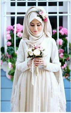 Bridal Hijab with Flowery Head Crown Ideas for Muslim Wedding – Girls Hijab Style & Hijab Fashion Ideas Hijabi Wedding, Muslimah Wedding Dress, Muslim Wedding Dresses, Hijab Bride, Muslim Brides, Muslim Dress, Wedding Dress Styles, Bridal Dresses, Muslim Girls