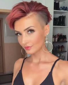 Short Shaved Hairstyles, Undercut Hairstyles Women, Short Hairstyles For Women, Edgy Pixie Haircuts, Undercut Women, Edgy Short Hair, Short Hair Undercut, Short Hair Cuts For Women, Shaved Hair Women