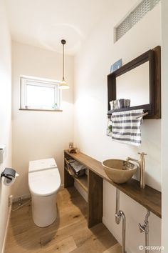 Corner Sink Bathroom, Washroom, Bathroom Storage, Ideas Baños, Good House, Bathroom Design Small, Toilet Paper, Interior Design, Natural Interior