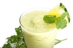 Om viktnedgång och avgiftning är din melodi ska du ta en titt på våra gröna smoothies. De är både lätta och billiga att göra hemma.