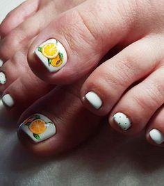 25 Fun Toe Nail Designs Nail Art Lovers Will Appreciate Simple Nails Design, Simple Toe Nails, Nail Design Spring, Pretty Toe Nails, Summer Toe Nails, Cute Toe Nails, Winter Nail Designs, Fancy Nails, Diy Nails