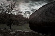 Curved Hus-1 in Sweden by Torsten Ottesjö Architecture (VIDEO). Read more at jebiga.com