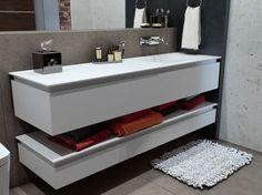 Modernes Design in Weiß für die Badkonsole mit Regal