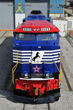"Norfolk Southern Heritage: ""Honoring Our Veterans"" Locomotive  .#jorgenca"