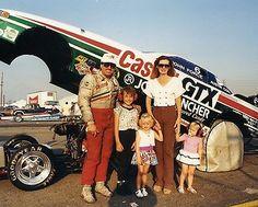 John Force family with his girls growing up at the racetrack. Funny Car Drag Racing, Funny Cars, Dragster, Nhra Drag Racing, Drag Bike, Old Race Cars, Vintage Race Car, Pontiac Firebird, Drag Cars