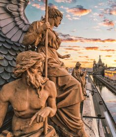 Petersburg, Russland – Balázs Nagy – Statues emphasizing the memories and thoughts of the host can be placed on the garden path. Aesthetic Art, Aesthetic Pictures, Aesthetic Grunge, Aesthetic Vintage, Aesthetic Anime, Sculpture Romaine, Art Et Architecture, St Petersburg Russia, Art Sculpture