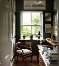 The study in the house of architect George Saumarez Smith, in Winchester. 'It has become a kind of halfway house for books intended for… Home Decor Inspiration, Country Life, Sweet Home, Cozy House, Interior, Home Office, House, Beautiful Homes, House Interior