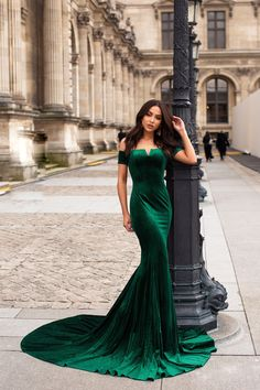 Emerald Evening Dress, Mermaid Prom Dresses, on Luulla Emerald Dresses, Green Lace Dresses, Pretty Dresses, Mermaid Evening Dresses, Evening Gowns, Green Velvet Dress, Velvet Gown, Bridesmaid Dresses, Wedding Dresses