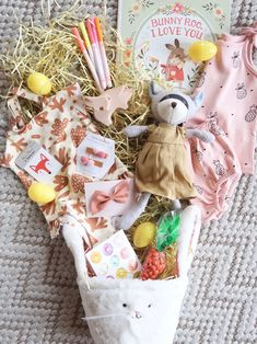 Easter Basket ideas for toddlers // basket ideas for girlfriend Toddler Easter Basket Ideas - THE HIVE Baby Easter Basket, Easter Baskets For Toddlers, Easter Gift Baskets, Basket Gift, Holiday Baskets, Valentine Baskets, Home Decor Baskets, Boyfriend Crafts, Hoppy Easter