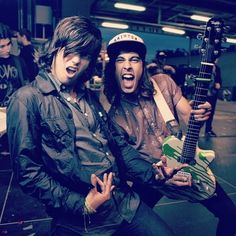 Kellin Quinn from Sleeping With Sirens & Vic Fuentes from Pierce The Veil! King for a day (: