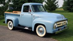 A Brief History Of Ford Trucks – Best Worst Car Insurance Best Pickup Truck, Vintage Pickup Trucks, Classic Ford Trucks, Ford Pickup Trucks, Car Ford, Old Trucks, Chevy Trucks, Ford 4x4, Lifted Ford