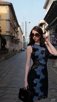 Manu Luize look Look do dia vestido floral em renda guipir na Milan Fashion Week   MFW street style