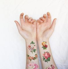 Hey, I found this really awesome Etsy listing at https://www.etsy.com/listing/267887253/tattoo-floral-tattoo-roses-temporary