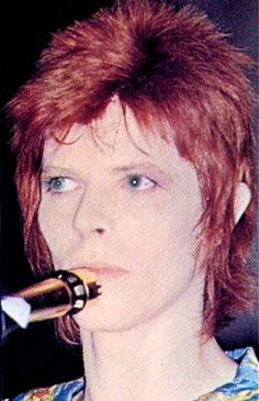 "loveziggyna: ""xxx My Ziggy xxx "" Queen David Bowie, David Bowie Born, David Bowie Pictures, Moonage Daydream, Bowie Starman, Marc Bolan, The Thin White Duke, Ziggy Stardust, David Jones"