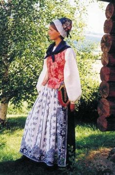 Aargangsfiin: Reconstructed bunad from Nord-Trøndelag Folk Clothing, Historical Clothing, Vintage Clothing, Folk Costume, Costumes, Vintage Outfits, Colourful Outfits, Colorful Clothes, Folk Fashion