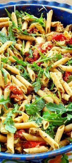 Six-ingredient supper: Chicken pesto pasta | BabyCenter Blog