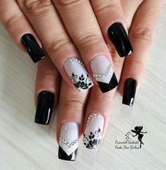 Best french pedicure designs with rhinestones nailart Ideas New Nail Designs, French Nail Designs, Acrylic Nail Designs, Pedicure Designs, Trendy Nail Art, New Nail Art, Teal Nails, White Nails, French Nails
