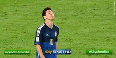 La tête de Lionel Messi lors de la défaite de l'Argentine - http://www.actusports.fr/112531/tete-lionel-messi-lors-defaite-largentine/