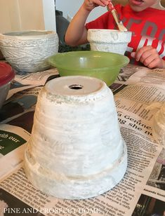 HOW TO CREATE A CONCRETE FINISH ON TERRA COTTA POTS - Pine and Prospect Home Concrete Cement, Concrete Projects, Concrete Casting, Concrete Finishes, Cottage Paint Colors, Cooking With Fresh Herbs, Homemade Chalk Paint, Diy Home Decor Projects, Fun Projects