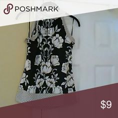 Blouse Pretty print top, racer back, ties around neck white house, Black market Tops Blouses
