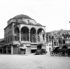 Το τζαμί Τζισταράκη. Αθήνα, 1951 Νικόλαος Τομπάζης Taj Mahal, Building, Travel, Viajes, Buildings, Destinations, Traveling, Trips, Construction
