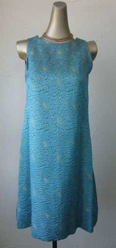 Vintage 1960s Jackie O textured jacquard shift maternity dress (mine)