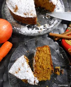 Κέικ με μήλο, καρότο και σταφίδες... χειμωνιάτικη λιχουδιά | Tante Kiki Apple Pear, Cornbread, Blog, Sweets, Eat, Cooking, Ethnic Recipes, Oreos, Muffins