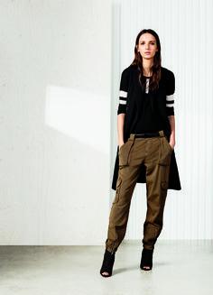 Master the utility trend in our stretch cotton Karen Millen khaki biker jeans.