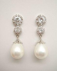 308fda283125 Pendientes de Novia Plata con perla pera y circonitas.