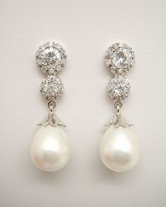 Pendientes de Novia Plata con perla pera y circonitas.
