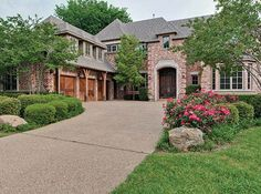LHM Dallas/Ft. Worth - Built by Rosewood Custom Homes in 2000, this lovely Preston Hollow home is situated on a large 100x150 lot. With over 6,100 sf there are 5 bedrooms, 4.1 baths, 5 living areas, and a 3-car attached garage. Hand-scraped wood floors, high ceilings, a beautiful kitchen with circular island, downstairs master, and a handsome  …
