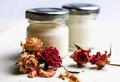 DIY: 4 recipes to make her homemade day cream - Beauty Darling - Cosmetics Diy Beauté, Beauty Corner, Make Beauty, Healthy Beauty, Natural Make Up, Homemade Beauty Products, Natural Cosmetics, Natural Health, Candle Jars