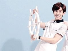 """Chanyeol's happy expression only changes when his """"wheel"""" is changed. ;)"""