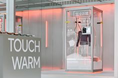 Air warm Pop-up store#Bananain热皮实验室 on Behance Cafe Design, Store Design, Interior Design, Interactive Installation, Interactive Design, Luxury Decor, Retail Design, Visual Merchandising, Pop Up Stores