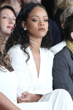 Rihanna at New York Fashion Week #Rihanna #LFW #hair