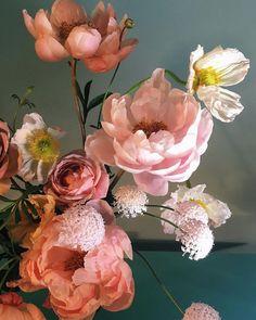 Flowers bouquet floral arrangements peonies New ideas Flowers Nature, Amazing Flowers, Pretty Flowers, Wild Flowers, Happy Flowers, Sogetsu Ikebana, Bloom, Flower Aesthetic, Planting Flowers