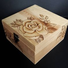 Wood Burning Crafts, Wood Burning Art, Wood Crafts, Diy And Crafts, Painted Wooden Boxes, Wood Boxes, Diy Bedroom Organisation, Wood Burning Techniques, Stained Glass Mirror