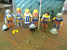 Playmobil Castle # 3268 Figures Lot with Helmets Crown and Weapons