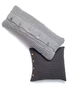 knit pillow, side buttons
