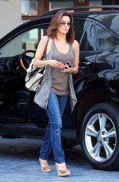 Eva Longoria street style in skinny jeans, tank top and wedge heels