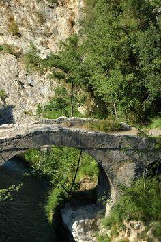 Fanghetto, Frazione di Olivetta San Michele (IM), vecchio ponte sul fiume Roia